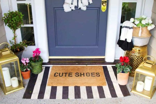 Best Ideas To Decorate Your Porch For Valentines Day 06