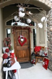 Best Ideas To Decorate Your Porch For Valentines Day 24