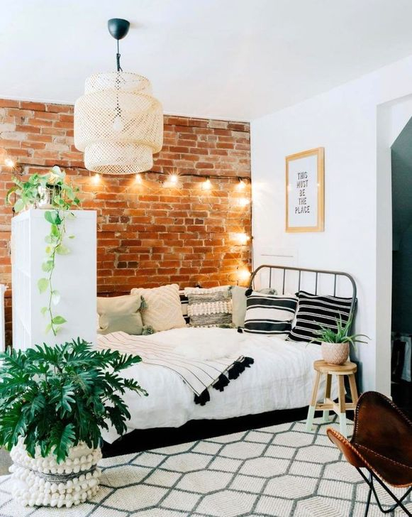 Brilliant Studio Apartment Decor Ideas On A Budget 37