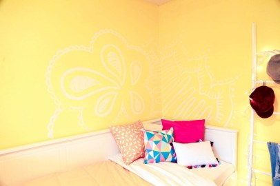 Delightful Yellow Bedroom Decoration And Design Ideas 06