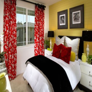 Delightful Yellow Bedroom Decoration And Design Ideas 29