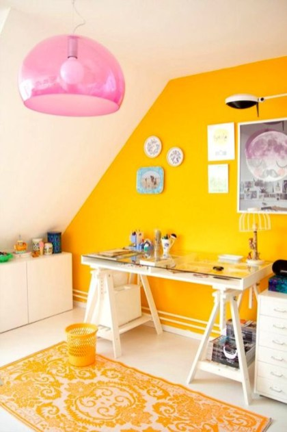 Delightful Yellow Bedroom Decoration And Design Ideas 32