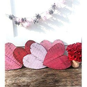 Elegant Front Porch Valentines Day Decor Ideas 31