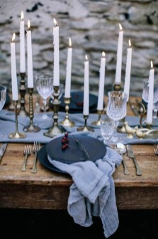 Extraordinary Winter Table Decoration You Can Make 03