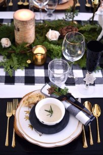 Extraordinary Winter Table Decoration You Can Make 14