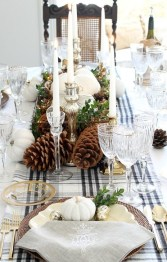 Extraordinary Winter Table Decoration You Can Make 31