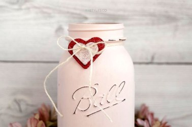 Fabulous Valentines Day Mason Jar Decor Ideas 11