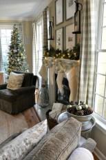 Gorgeous Winter Family Room Design Ideas 10