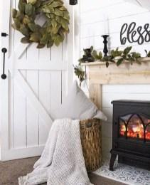 Gorgeous Winter Family Room Design Ideas 18