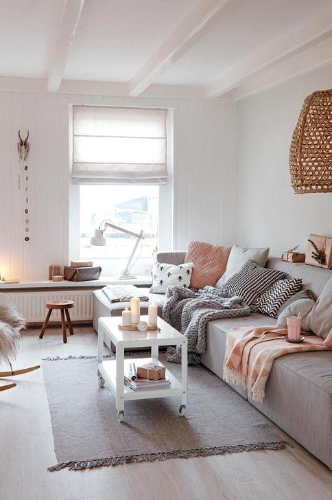 Gorgeous Winter Family Room Design Ideas 42