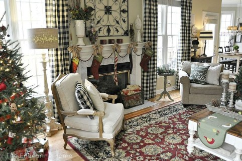 Gorgeous Winter Family Room Design Ideas 45