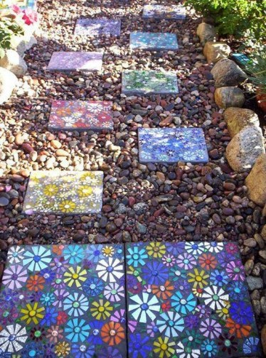 Innovative Stepping Stone Pathway Decor For Your Garden 14
