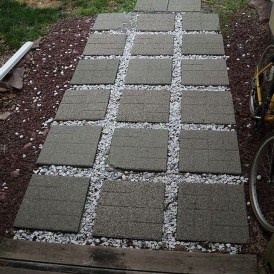 Innovative Stepping Stone Pathway Decor For Your Garden 30