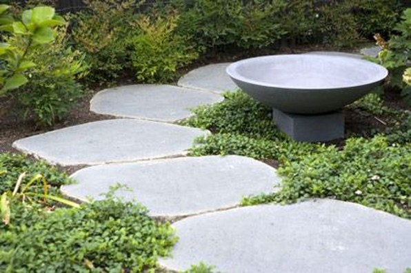 Innovative Stepping Stone Pathway Decor For Your Garden 34