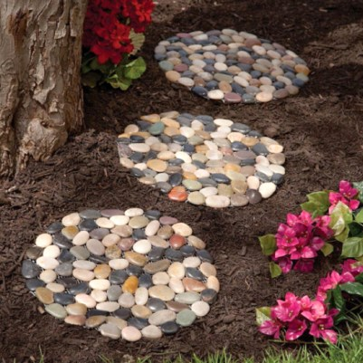 Innovative Stepping Stone Pathway Decor For Your Garden 43