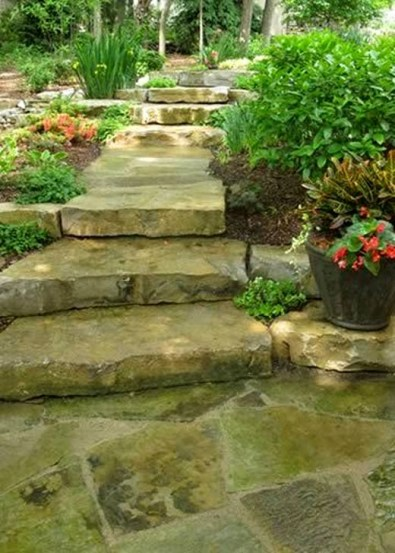 Innovative Stepping Stone Pathway Decor For Your Garden 54