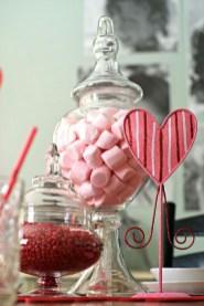 Inspiring Farmhouse Style Valentines Day Decor Ideas 01