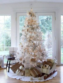 Neutral Winter Decoration Ideas For Your Home 38