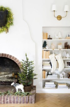 Neutral Winter Decoration Ideas For Your Home 42