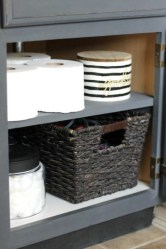 Simple But Modern Bathroom Storage Design Ideas 34