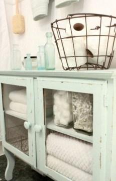 Simple But Modern Bathroom Storage Design Ideas 49