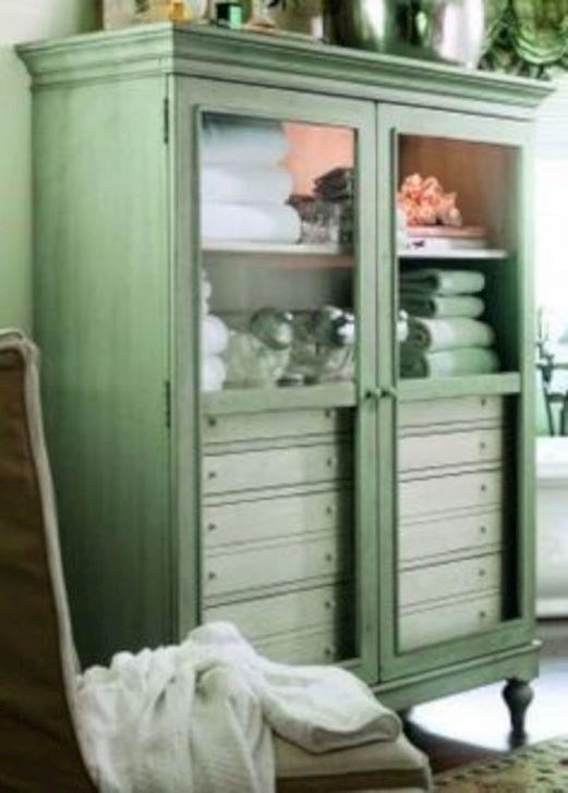 Simple But Modern Bathroom Storage Design Ideas 51