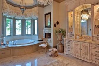 Simple Traditional Bathroom Design Ideas 03
