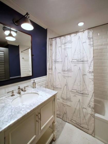 Simple Traditional Bathroom Design Ideas 04