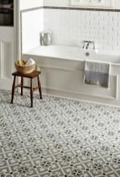 Simple Traditional Bathroom Design Ideas 06