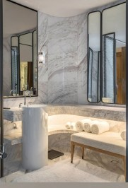 Simple Traditional Bathroom Design Ideas 15