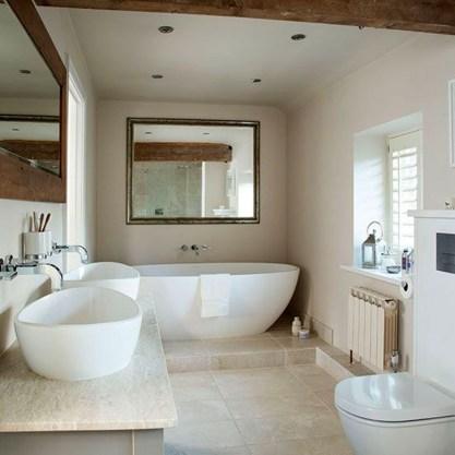 Simple Traditional Bathroom Design Ideas 45