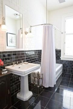 Simple Traditional Bathroom Design Ideas 53