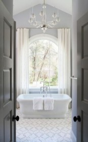 Simple Traditional Bathroom Design Ideas 56