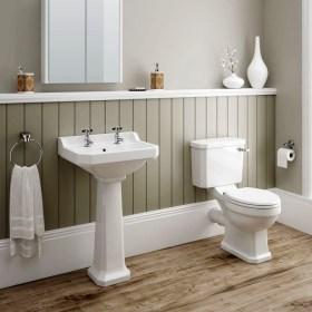 Simple Traditional Bathroom Design Ideas 57