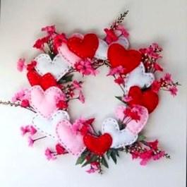 Wonderful DIY Valentines Wreath Decor Ides 01