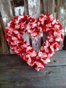 Wonderful DIY Valentines Wreath Decor Ides 07