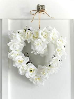 Wonderful DIY Valentines Wreath Decor Ides 08