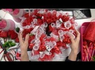 Wonderful DIY Valentines Wreath Decor Ides 12