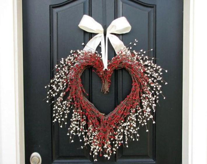 Wonderful DIY Valentines Wreath Decor Ides 24