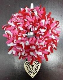 Wonderful DIY Valentines Wreath Decor Ides 37