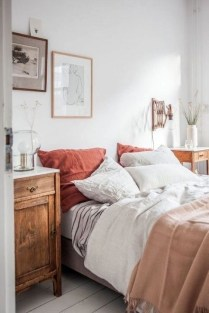 Astonishing Scandinavian Bedroom Design Ideas 19