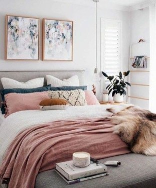 Astonishing Scandinavian Bedroom Design Ideas 44