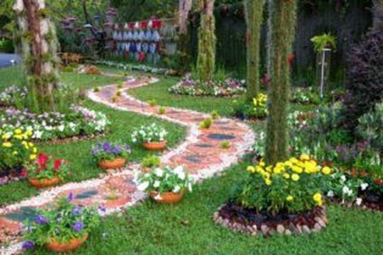 Best DIY Garden Path Designs You Can Bulid To Complete Your Gardens 01