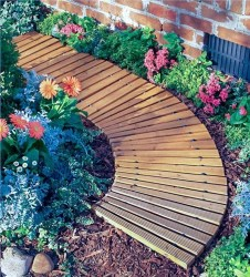 Best DIY Garden Path Designs You Can Bulid To Complete Your Gardens 13