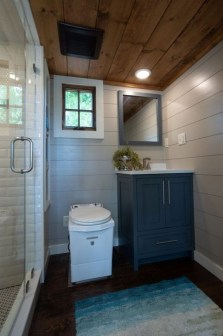 Cool Tiny House Bathroom Remodel Design Ideas 22