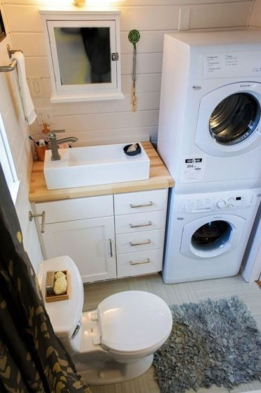 Cool Tiny House Bathroom Remodel Design Ideas 46