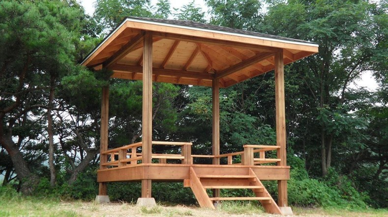 Cozy Gazebo Design Ideas For Your Backyard 14