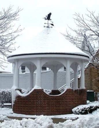 Cozy Gazebo Design Ideas For Your Backyard 15