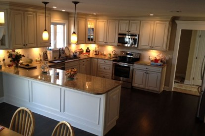 Creative U Shaped Kitchen Remodel Ideas 35