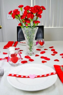 Elegant Table Settings Ideas For Valentines Day 48